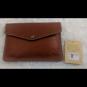 Nwt~⭐ Patricia Nash Wallet/Cluch